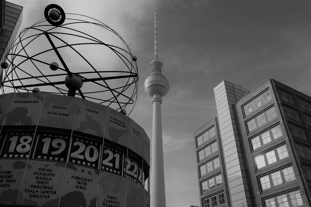 Alexanderplatz & Weltzeituhr 1