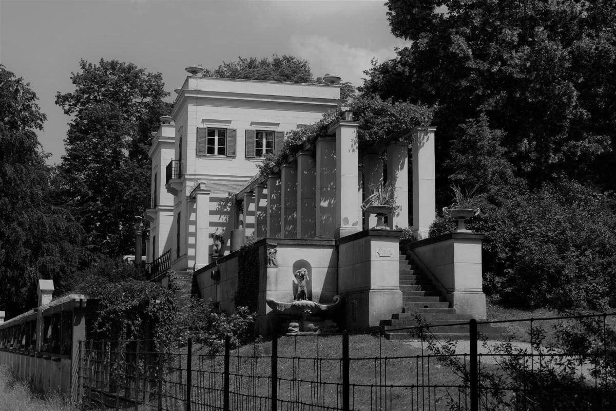 Schloss Glienicke 1